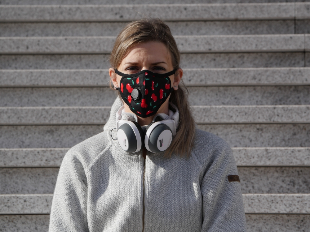 Does wearing a mask protect you against the flu and other viruses like Covid19?